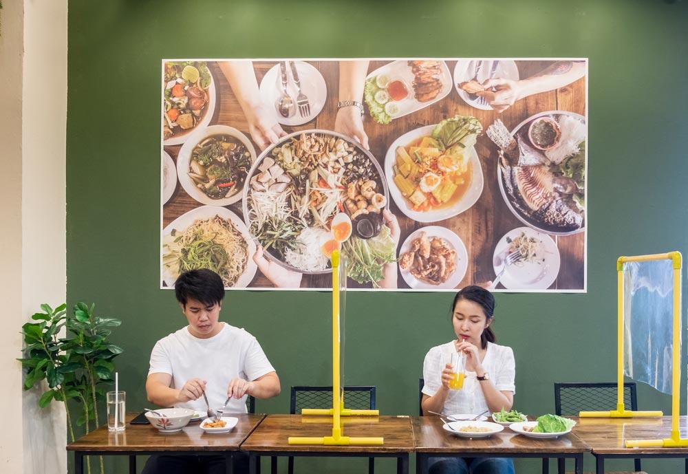 أفكار تبتكرها مطاعم العالم لاستقبال shutterstock_1723056
